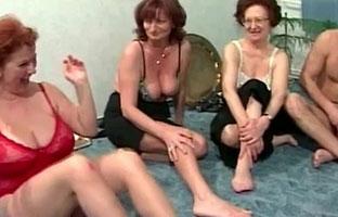 Oma Swinger Club