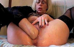Oma fistet sich