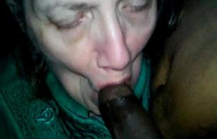 Omi Oralsex mit einem Schwarzen